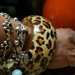 Jewelry - Vintage 1970s leopard print bracelet